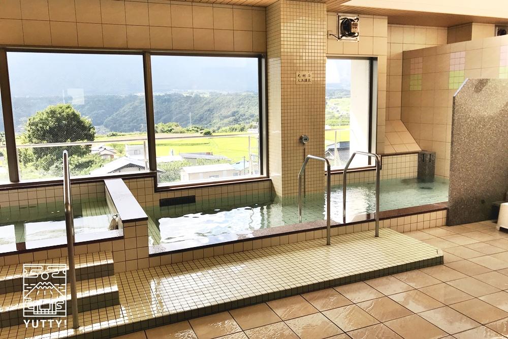 望岳荘の温泉浴場3