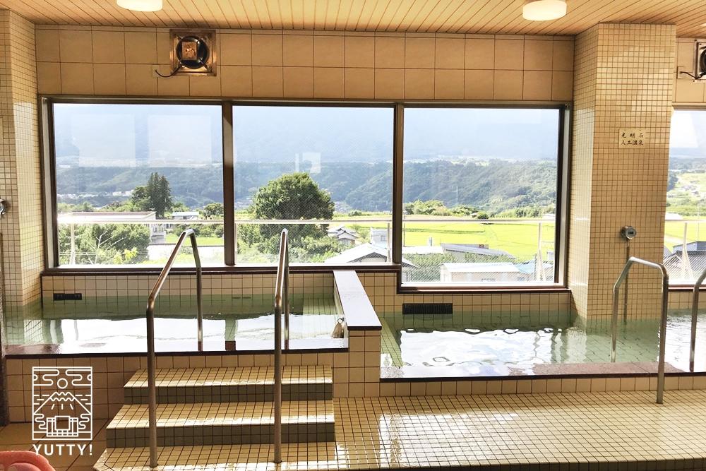 望岳荘の温泉浴場1