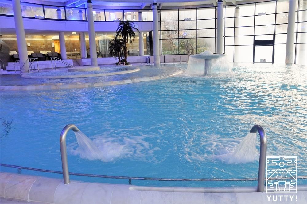 カラカラ浴場の温泉プールの写真