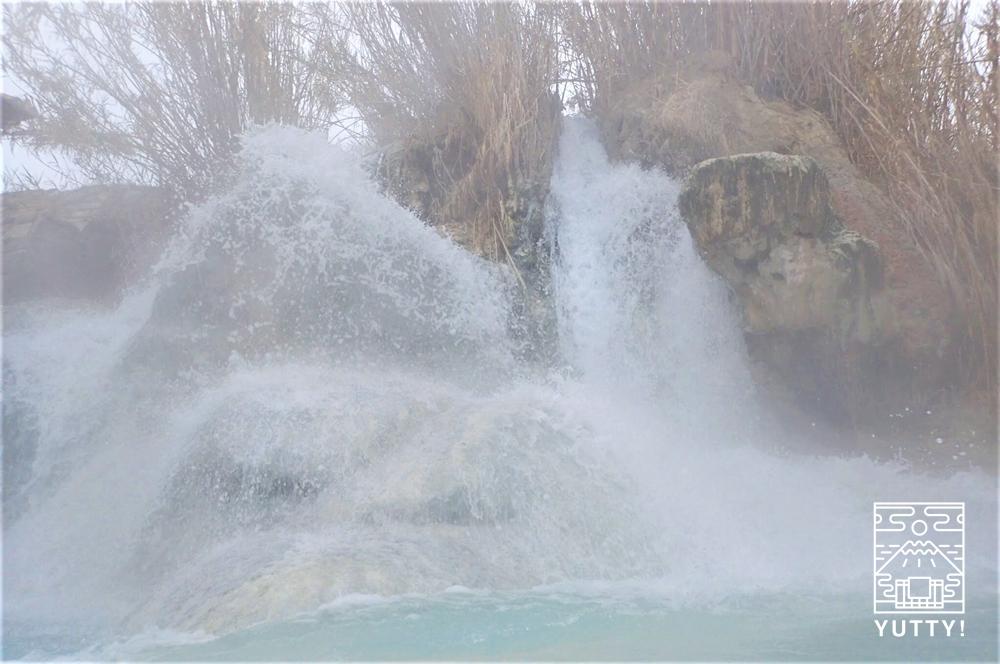 サトゥルニア温泉の激流の写真